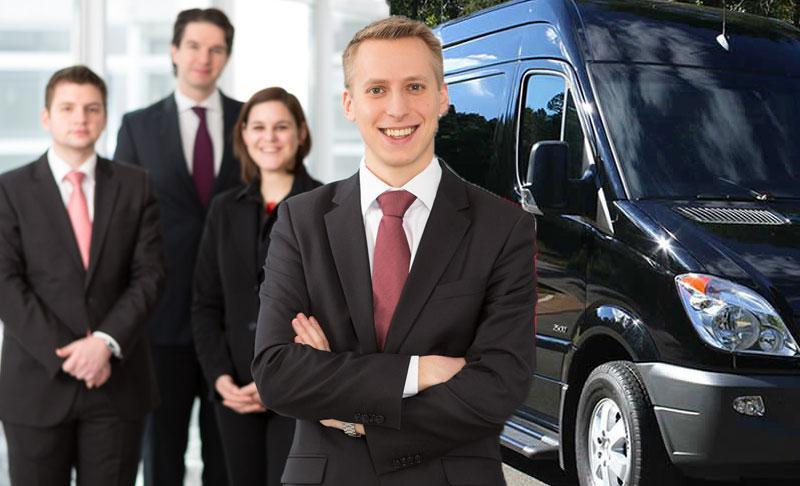 Vans com motorista para transporte corporativo